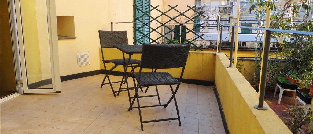 CENTRO STORICO (Ad. CAIROLI) appartamento di mq. 60 con terrazzo
