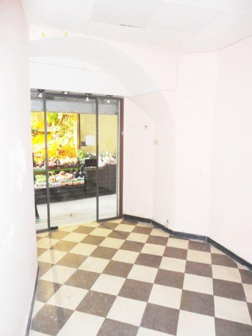 Centro storico macelli di soziglia affittasi negozio mq for Piani domestici transitori