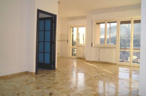Genova(GE) - TEGLIA - Via Monte Sei Busi Affittiamo signorile appartamento in perfette condizioni