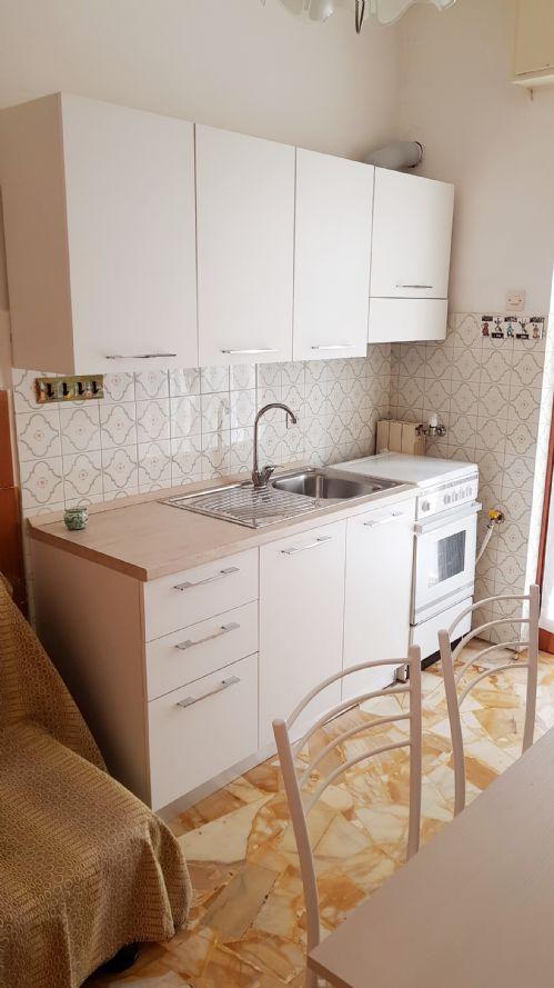 COGOLETO (LUNGOMARE) Affittasi appartamento arredato da GIUGNO