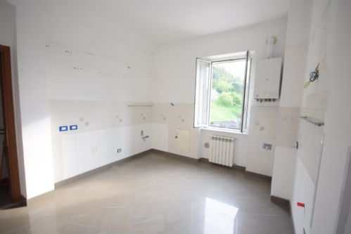 SAMPIERDARENA (Via Pellegrini) vendiamo 85 mq ristrutturati