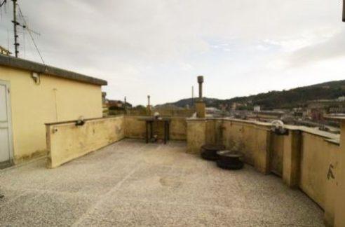 RIVAROLO (Via Salvarezza) vendiamo appartamento luminoso e soleggiato 55 mq.