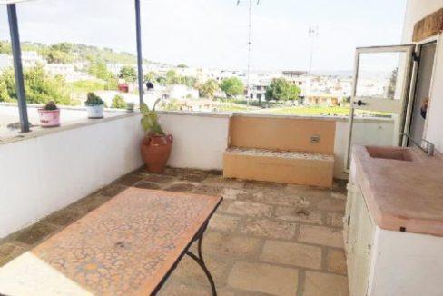 CASARANO (LE) vendiamo caratteristica casa indipendente