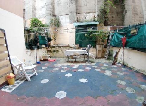 SAMPIERDARENA (Via Dei Landi) Vendesi appartamento con terrazzo al piano ad uso investimento