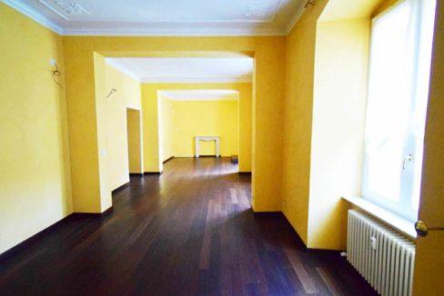 CENTRO (PALESTRO) In palazzo signorile vendiamo appartamento di 195 mq