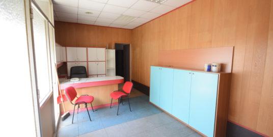 RIVAROLO (VIA MONTE SEI BUSI) Affittasi ufficio ristrutturato
