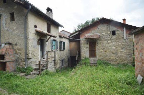 MONTACUTO (AL) Località Giara. Vendesi graziosa casa indipendente in pietra