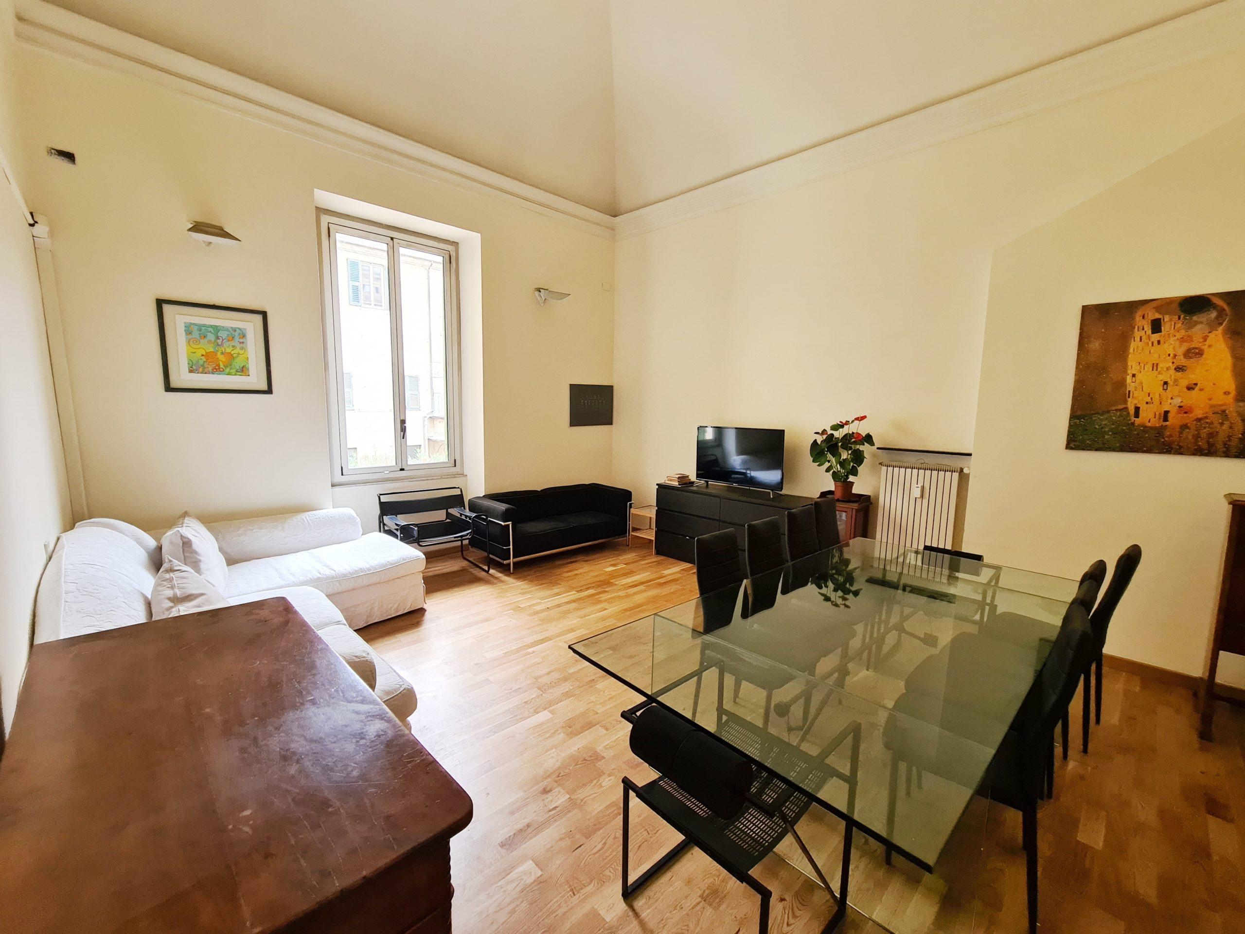 CENTRO (CARMINE) vendesi appartamento 280 mq con terrazzo al piano di 80 mq