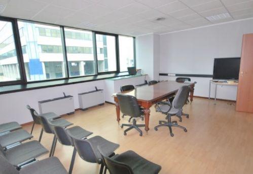 GENOVA (SAN BENIGNO/WTC) Affittasi uffici ristrutturati e arredati