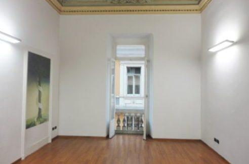CENTRO (VIA ROMA) affittasi ufficio di rappresentanza 30 mq.