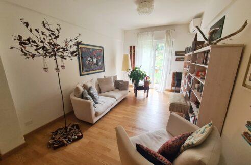 BORGORATTI ( VIA ANTONIO CEI) Proponiamo in vendita appartamento di 103 mq.
