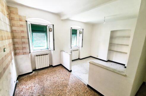 RIVAROLO (CELESIA) vendesi luminoso appartamento mq. 65