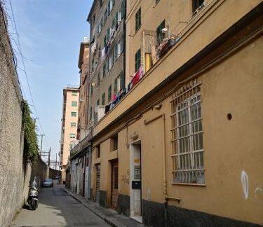 AMPIERDARENA (Via carlo Orgiero) A pochi passi da via Fillak vendiamo magazzino di 60mq.