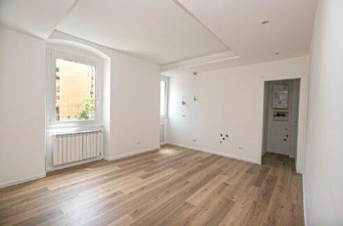 SAMPIERDARENA (Via Silvio Spaventa) in contesto tranquillo e silenzioso vendiamo appartamento